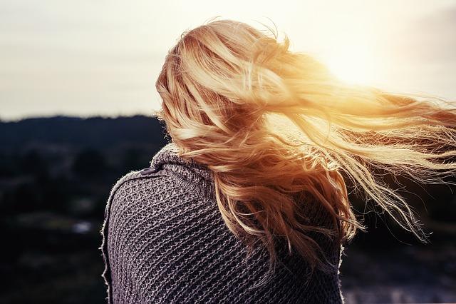 髪の人間性